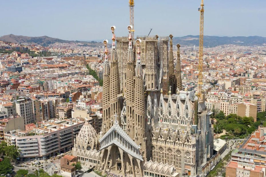 City-Break-ieftin-in-Barcelona
