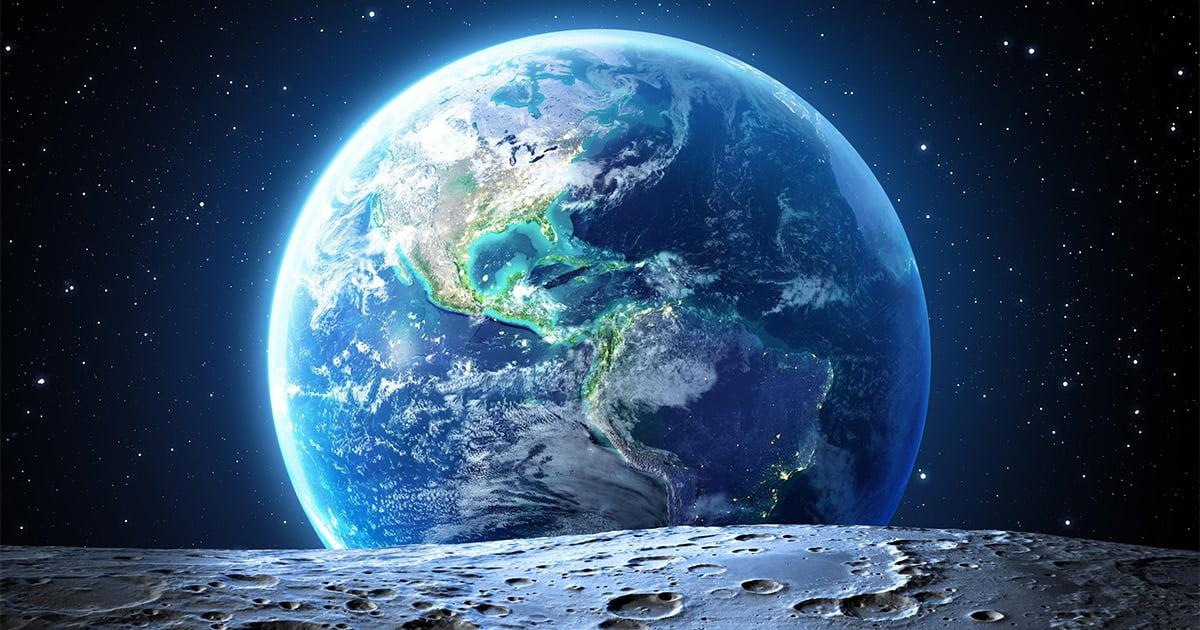 Pamantul,-vedere-de-pe-luna
